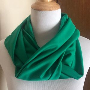 Accessories - Green Infinity Scarf